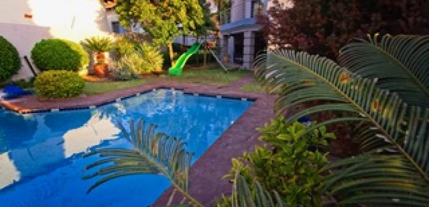4 bedroom house with a flatlet in popular Fourways Witkoppen area for sale